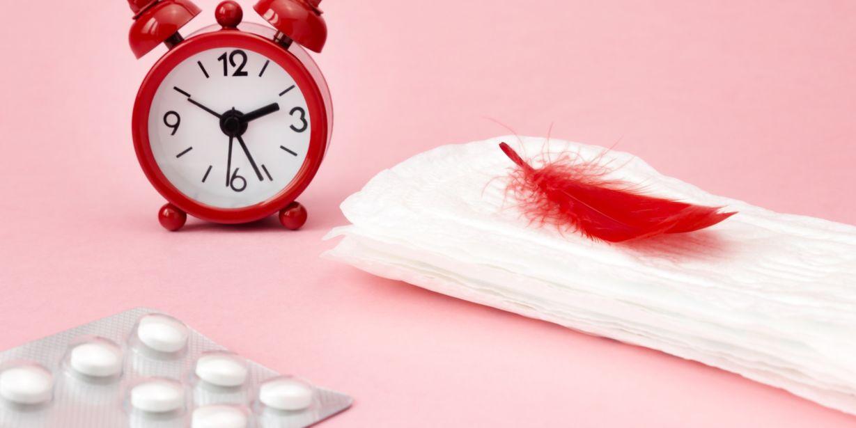 1011-Menstrual pads, blood period calendar, clocks and pills